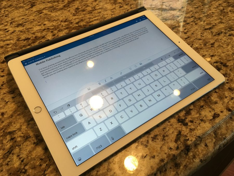 How do the new 9.7 inch iPads stack up to the older iPad Mini 2?