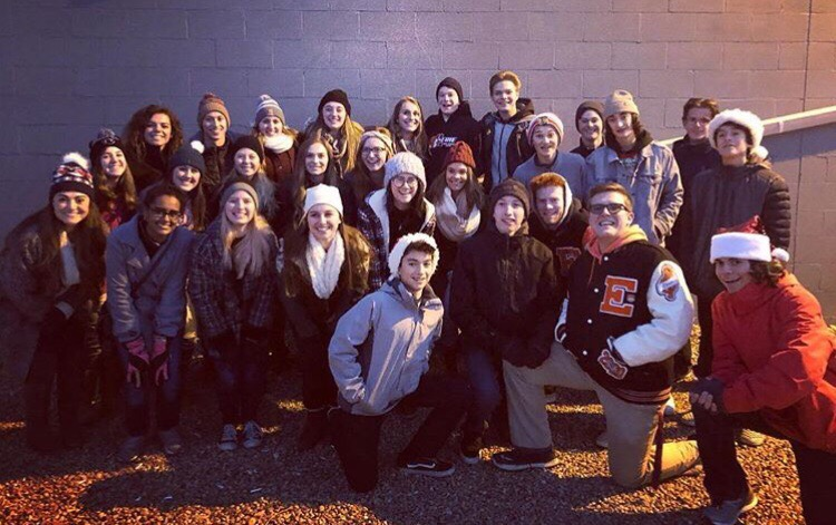 CR5 performing before the Erie Country Christmas Parade